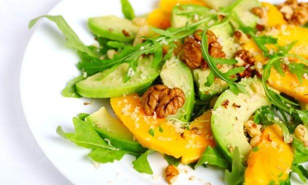 Τέλεια Πρωτοχρονιάτικη σαλάτα με καρύδια και πορτοκάλι!