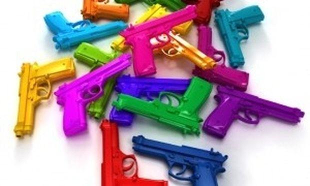 ΗΠΑ: Οι γονείς δεν αγοράζουν πια παιχνίδια με όπλα στα παιδιά τους