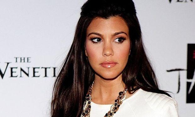 Πώς γυμνάζεται η σέξι μανούλα Kourtney Kardashian;