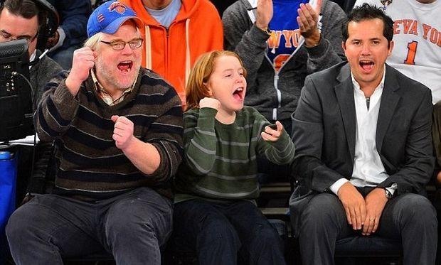 Phillip Seymour Hoffman και γιος, πανηγυρίζουν μαζί στο μπάσκετ!