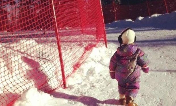 Βόλτα στα χιόνια για τη μικρή Willow