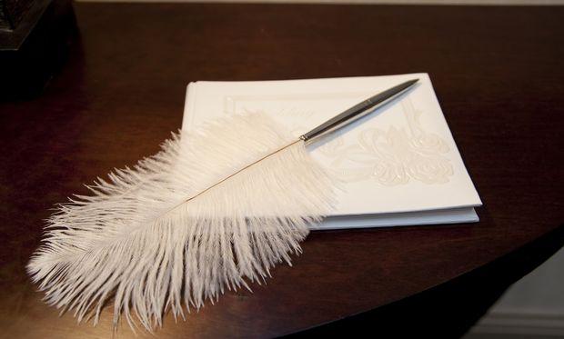 Φτιάξτε μόνες σας το τραπέζι για το βιβλίο των ευχών της βάπτισης!