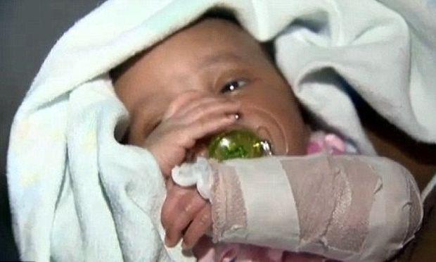 Θαύμα: Μωρό πυροβολήθηκε ενώ βρισκόταν στην κοιλιά της μητέρας του και επέζησε!