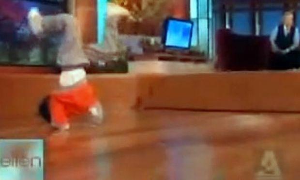 Βίντεο: Δεν έχετε δει στη ζωή σας τέτοιο Breakdancer!