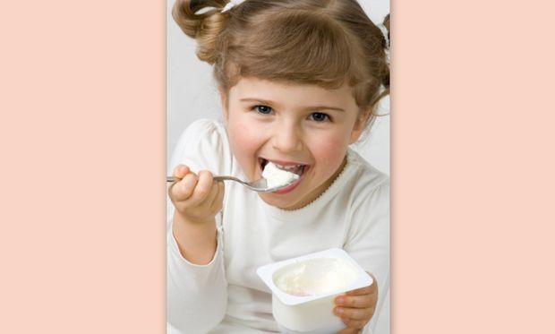 Βάλτε το γιαούρτι στη διατροφή του παιδιού σας και ως φυσικό αντιβιοτικό!