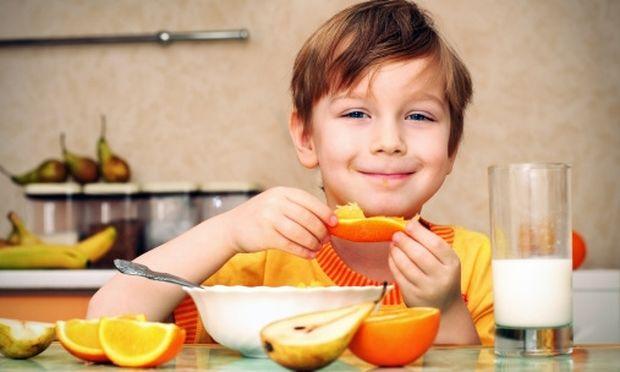 Πόσα φρούτα πρέπει να τρώει ημερησίως το παιδί μου και γιατί είναι απαραίτητα στη διατροφή του;