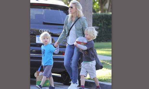 Οικογενειακές στιγμές για τη Naomi Watts (φωτό)