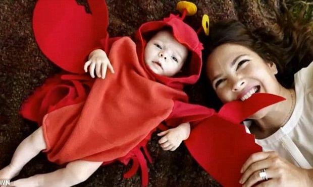 Τέλειο! H Drew Barrymore έντυσε την κόρη της αστακό!