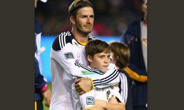 Στα βήματα του πατέρα του ο Brooklyn Beckham