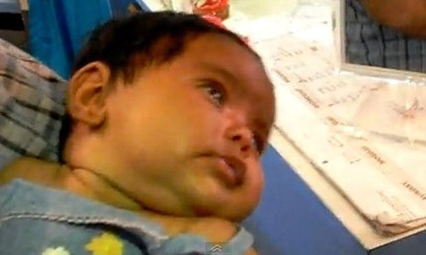 Βίντεο: Είναι μόλις 10 εβδομάδων και οι γονείς της τρυπάνε τα αυτιά!