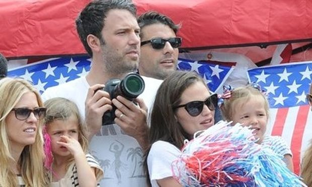 Αυτή είναι η πιο ευτυχισμένη οικογένεια στο Χόλιγουντ!