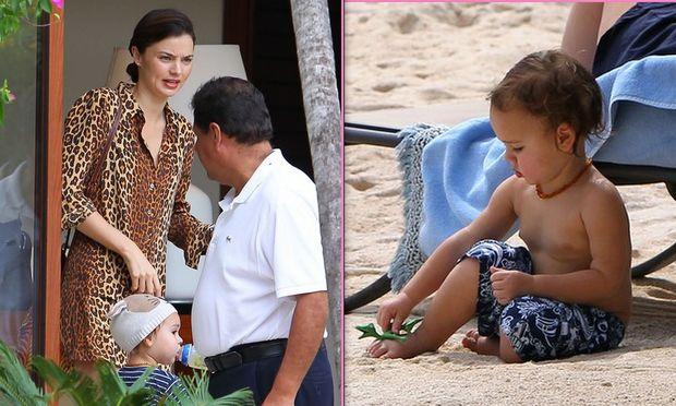 Miranda Kerr: Με τον γιο της Flynn στην παραλία!