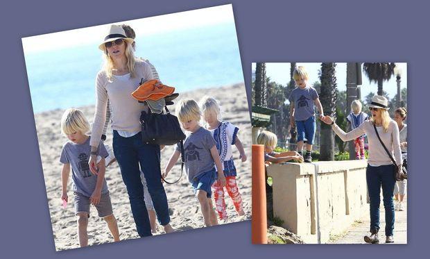 Naomi Watts: Παιχνίδια στην αμμουδιά με τα παιδιά της!