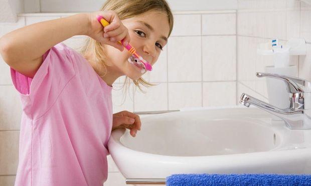 5 τρόποι για να κρατήσετε τα δόντια του παιδιού σας υγιή!