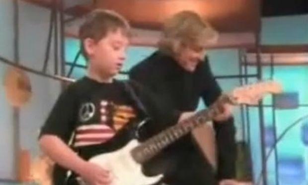 Ο πιο ταλαντούχος εξάχρονος κιθαρίστας του κόσμου!