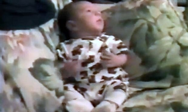 Βίντεο: Νεογέννητο φτερνίζεται και…