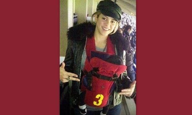 Η πρώτη δημόσια εμφάνιση της Shakira με τον λίγων εβδομάδων γιο της Milan!