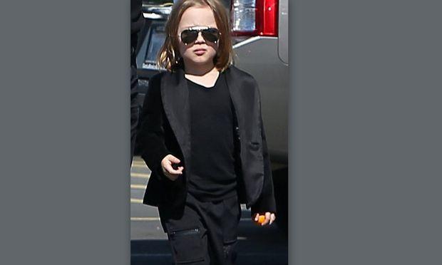 Σας θυμίζει κάτι αυτή η φατσούλα; Ναι, είναι ο γιος του Brad Pitt!