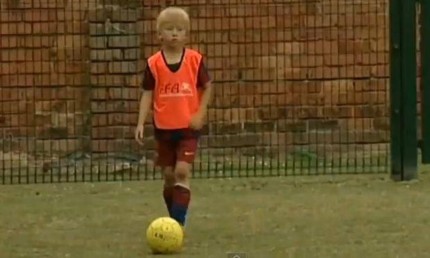 Βίντεο: Ο επτάχρονος ποδοσφαιριστής που έκανε δοκιμαστικό για την Barcelona