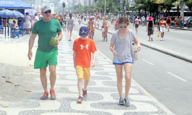 Calista Flockheart-Harrison Ford: Στην παραλία της Ιπανέμα με τον γιο τους