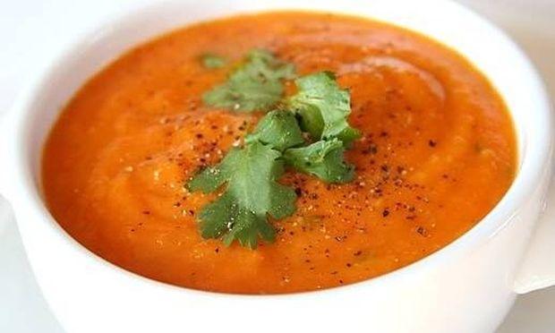Βελουτέ σούπα με… καροτάκια!