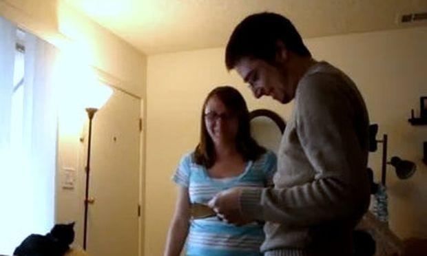Βίντεο: Η συγκίνηση ενός μέλλοντα μπαμπά όταν μαθαίνει ότι η γυναίκα του είναι έγκυος!