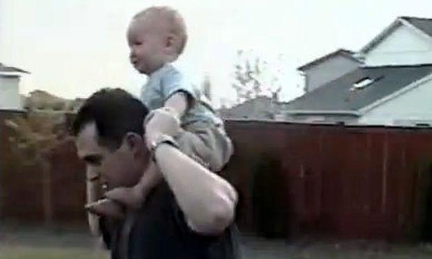Βίντεο: Μην κουνάς πολύ το παιδί ενώ έχει φάει γιατί…