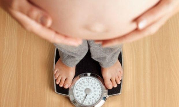 Υπολογίστε πόσο βάρος μπορείτε να πάρετε κατά τη διάρκεια της εγκυμοσύνης