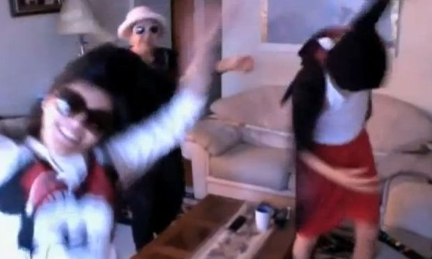 """Γιαγιά θα χορέψουμε """"Harlem Shake""""... """"Μωρή are you crazy"""";"""