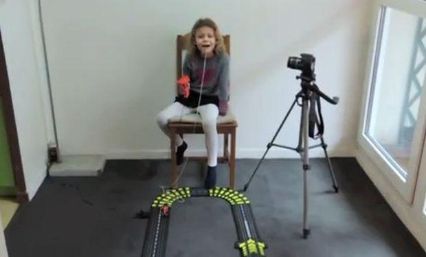 Βίντεο: «Είμαι ατρόμητη και θα βγάλω το δόντι μου»