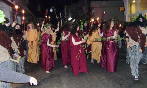 Απόκριες στις Κυκλάδες! Έθιμα και παραδόσεις που τα παιδιά πρέπει να γνωρίζουν!