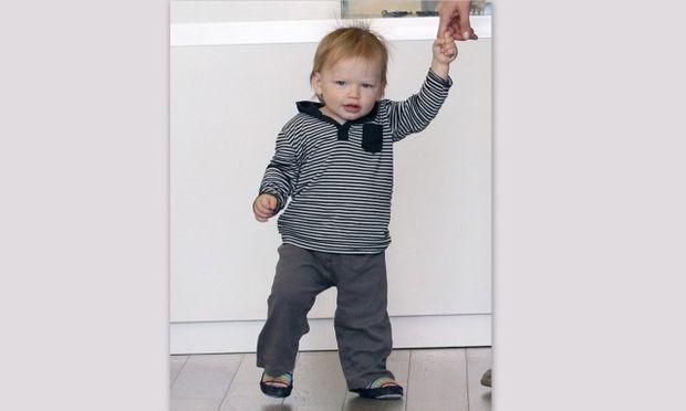 Ο γιος της Jennifer Garner και του Ben Affleck περπάτησε!