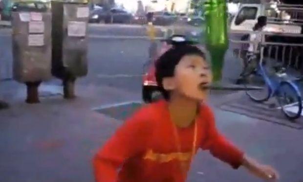 Ταλαντούχα παιδιά στα πεζοδρόμια της Κίνας