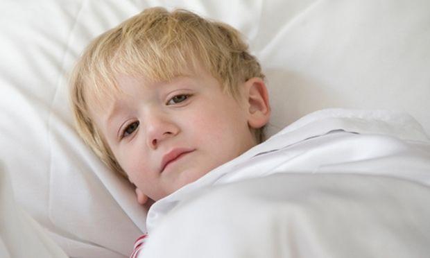 Πώς θα βοηθήσω το παιδί μου να ξεπεράσει το φόβο που έχει με το σκοτάδι;