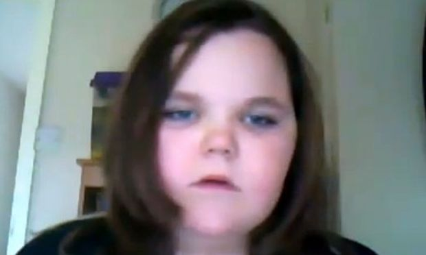 Βίντεο: Δεν φαντάζεστε γιατί γίνεται έξαλλο αυτό το κοριτσάκι!