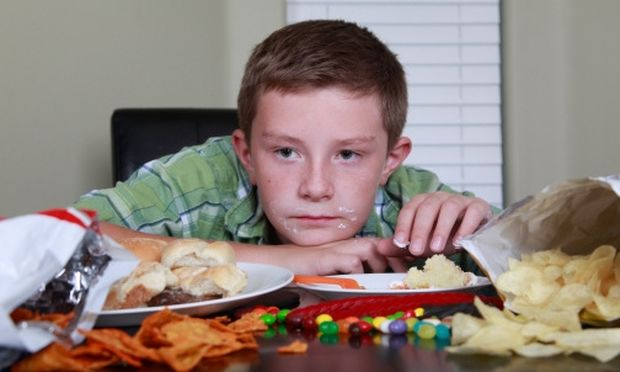 Πώς θα κάνω το παιδί μου να αποφύγει το junk food;