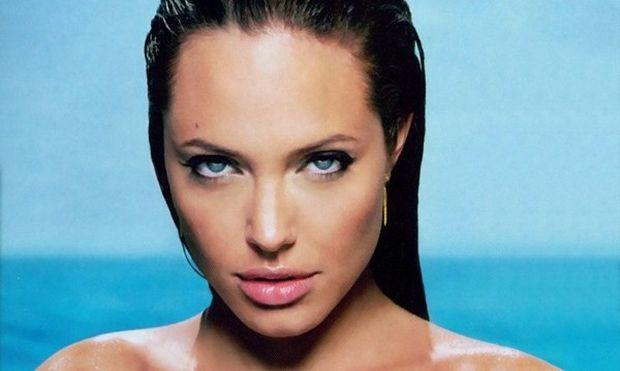 Η Angelina Jolie μιλά για την καισαρική τομή με την οποία γέννησε την κόρη της!