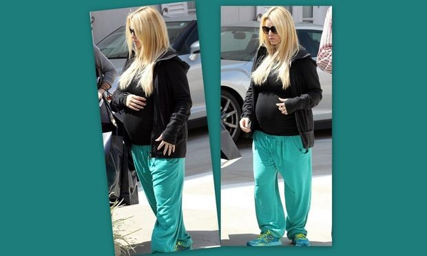 Jessica Simpson: Φουσκώνει και κάνει τα ψώνια της!