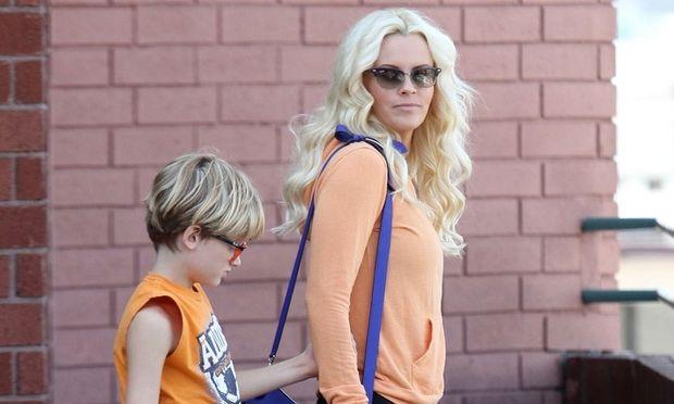 Jenny McCarthy: Δεν βγαίνει ραντεβού με άντρες που δεν αγαπάνε τα παιδιά!