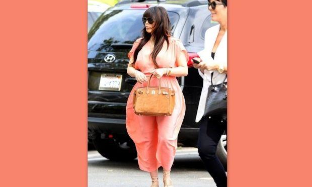 Άλλη μία κακή στυλιστική στιγμή της εγκύου Kim Kardashian (φωτό)