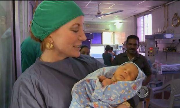 Βιομηχανία παρένθετων μητέρων στην Ινδία για Αμερικανίδες!