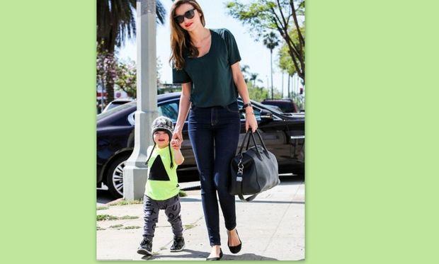 Miranda Kerr: Μαμά και γιος βόλτα με.. στιλ!