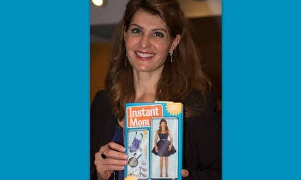 Η Nia Vardalos μιλάει μέσα από το βιβλίο της για την υιοθεσία της κόρης της!