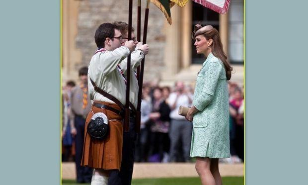 Kate Middleton: Εμφανής πλέον η φουσκωμένη κοιλίτσα της (φωτό)