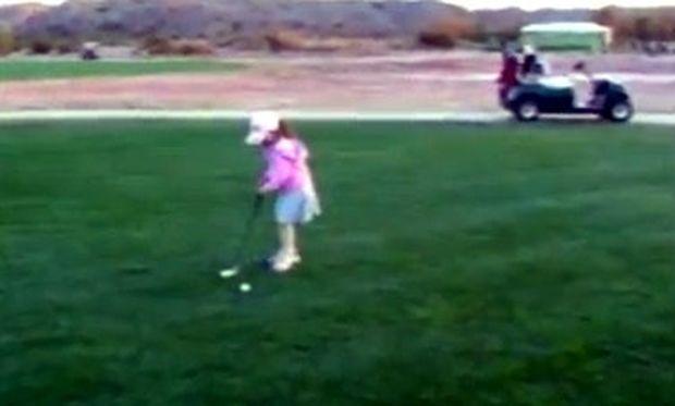 Βίντεο: Δείτε τι συμβαίνει την πρώτη φορά που το κοριτσάκι πάει για μάθημα γκολφ!