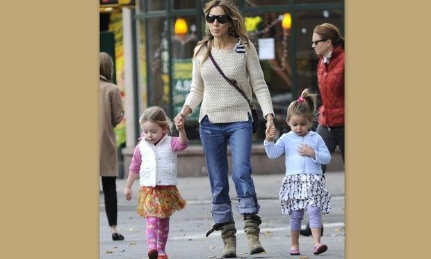 Sarah Jessica Parker: «Οι δίδυμες κόρες μου ντύνονται μόνες τους»