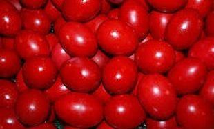 Τι συμβολίζει το κόκκινο χρώμα το Πάσχα και γιατί βάφουμε αυγά;