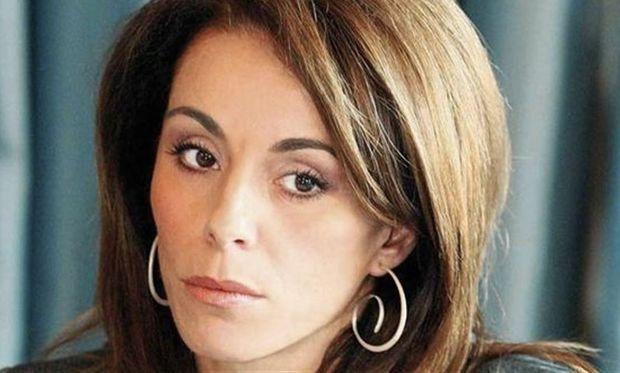 Βούλα Πατουλίδου: «Προσπάθησα να μην  γίνω στο γιο μου φόρτωμα ως όνομα»