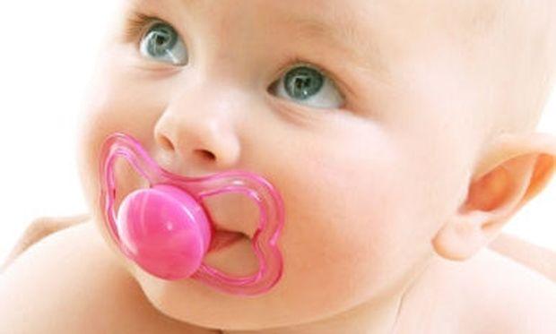 Σωτήρια η πιπίλα για τα μωρά!