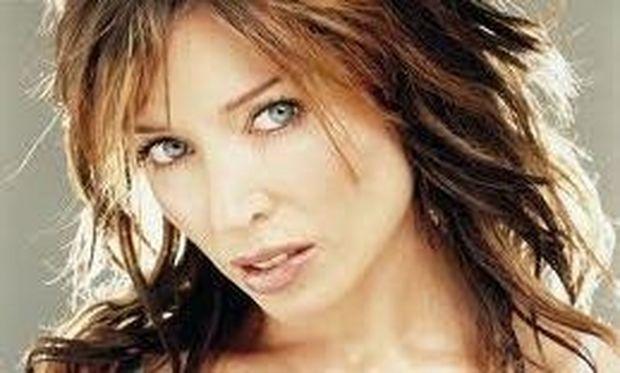 Dannii Minogue: Με κορμί 20χρόνης η σέξι μαμά! Ποια είναι τα μυστικά της;